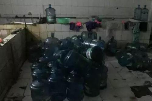 杜绝桶装水污染净水器厂家柏玛携手加盟商开展净饮活动